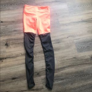 Alo Coral & Grey work out leggings